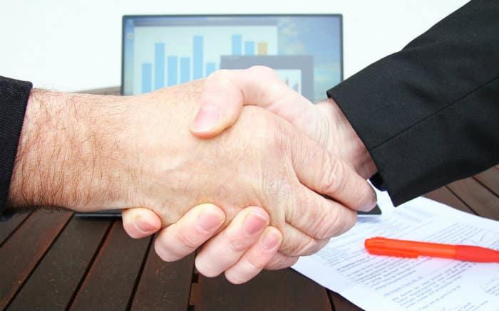 Brasileiro está procurando empréstimos para abrir a própria empresa